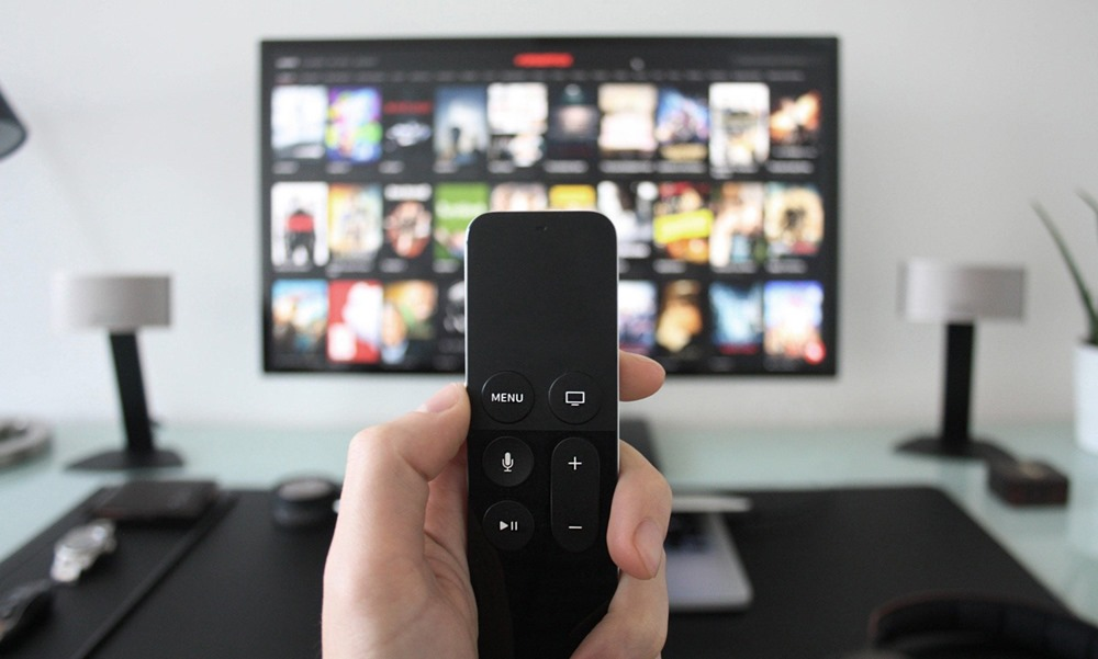 Mando manejando servicio de tv de Ahí+