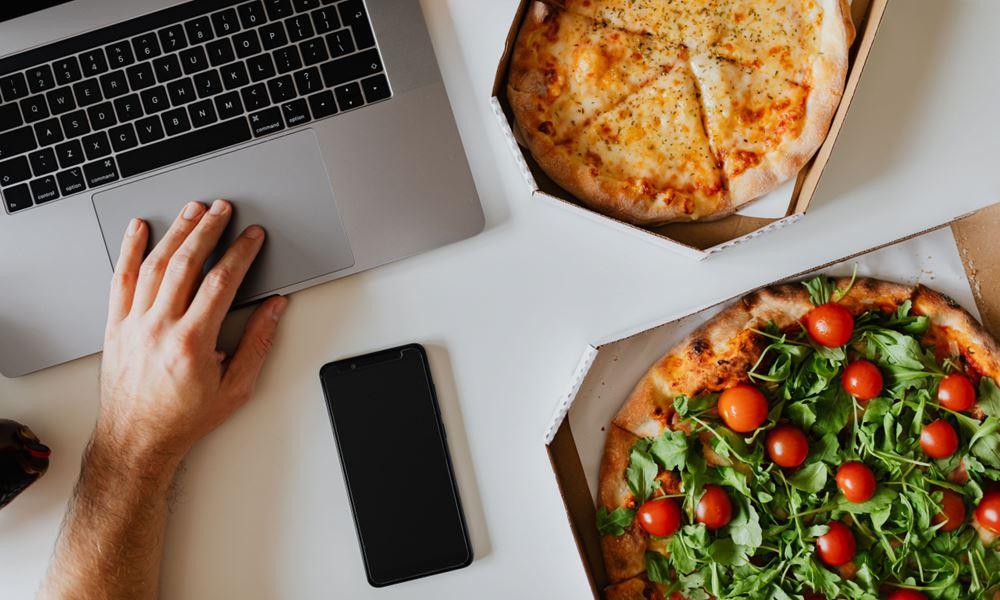 Pizza e Internet, ¿quién necesita más?
