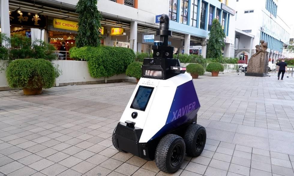 El robot Xavier patrulla por Singapur
