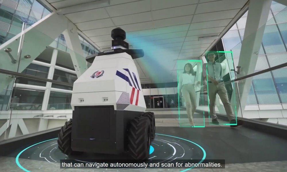 Robot policía en las calles de Singapur